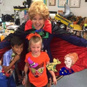 Cindy Martin as Ms. Frizzle