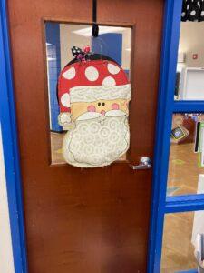 Simple Door Christmas Decoration